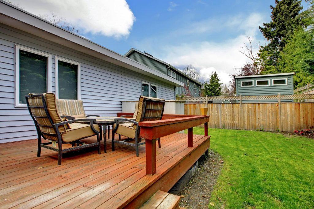 Deck Builders Omaha Pros - Composite Decks 2